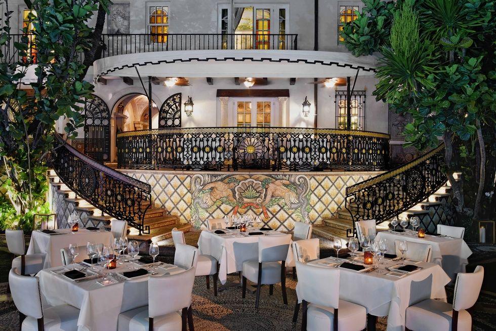Diventa un hotel di gran lusso la villa di Versace a Miami (3)