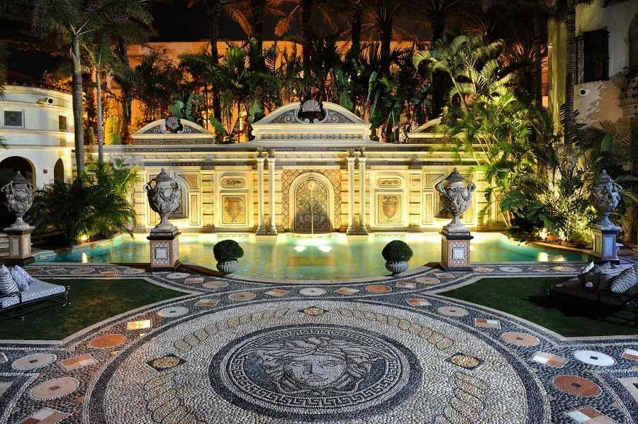 Diventa un hotel di gran lusso la villa di Versace a Miami (5)