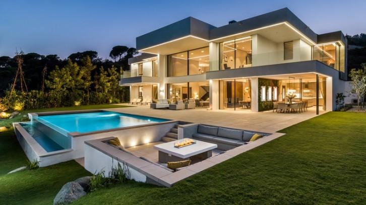 Marbella, in vendita una villa da 572 mq