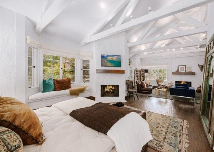 Cher compra una villa a Beverly Hills per più di 2 milioni di euro.